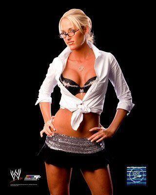 Natalya vs Michelle McCool pour le titre des Divas